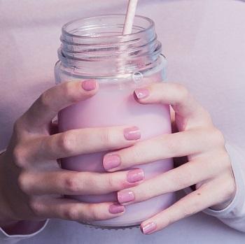 Show Pink smoothie shake